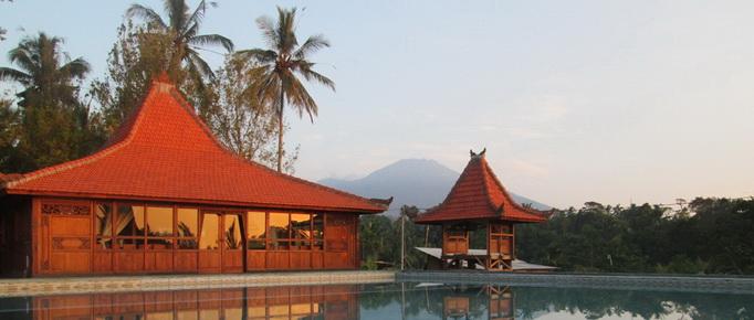 Restaurant with mount ijen view